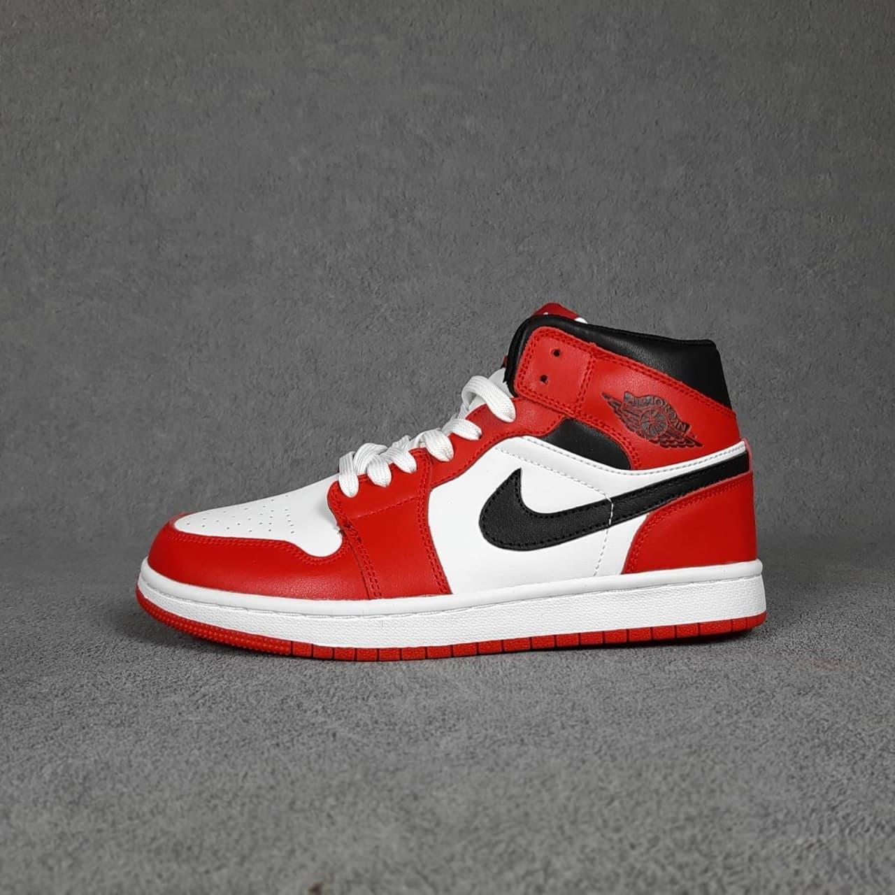 Женские кроссовки Nike Air Jordan 1 (бело-красные) О20439 качественные модные кроссы