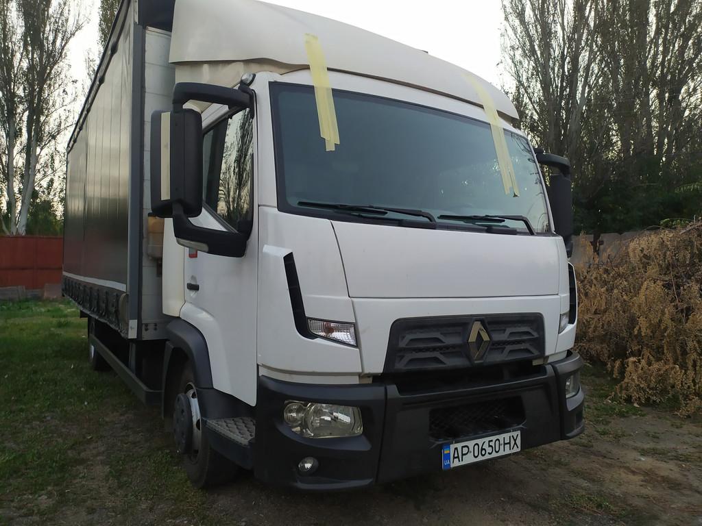 Производство и замена лобового стекла триплекс на грузовике Renault D 7,5 в Никополе (Украина).