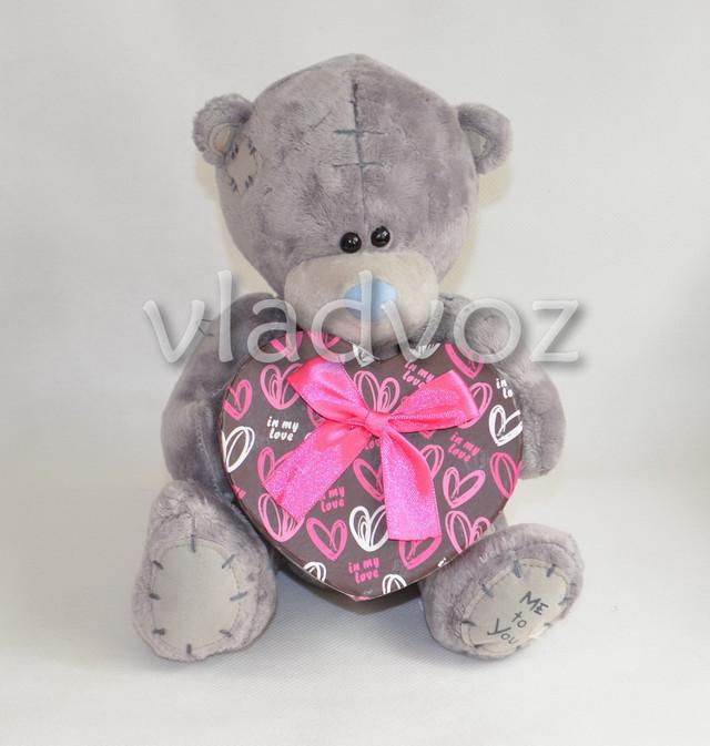плюшевый медведь тедди с подарочной коробочкой в виде сердца
