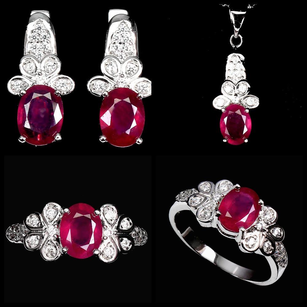 Срібний Набір з натуральними Рубінами і фіанітами - Кулон, Перстень, Сережки