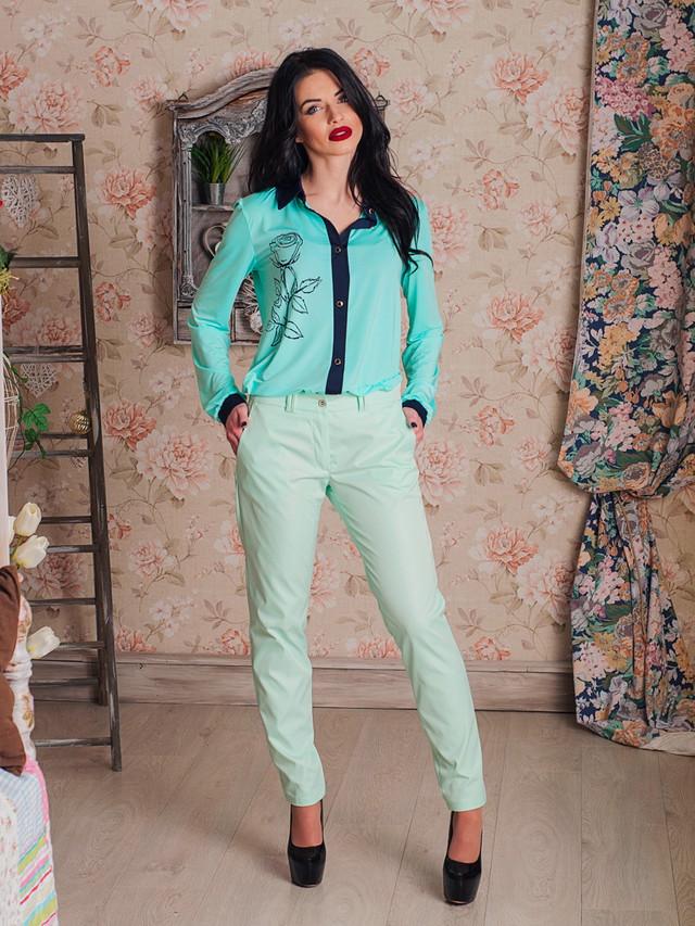 Стильные женские классические брюки светлые