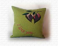 Подушка с сердечками-вишенками зеленая