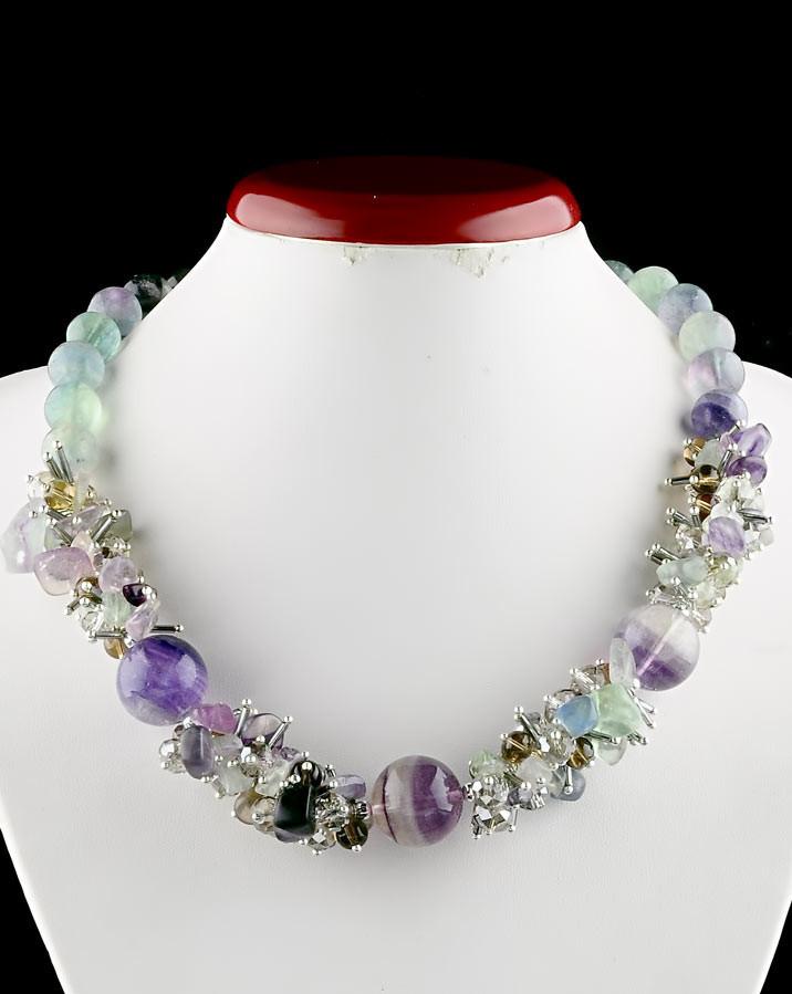 Ожерелье натуральное из камня флюорит