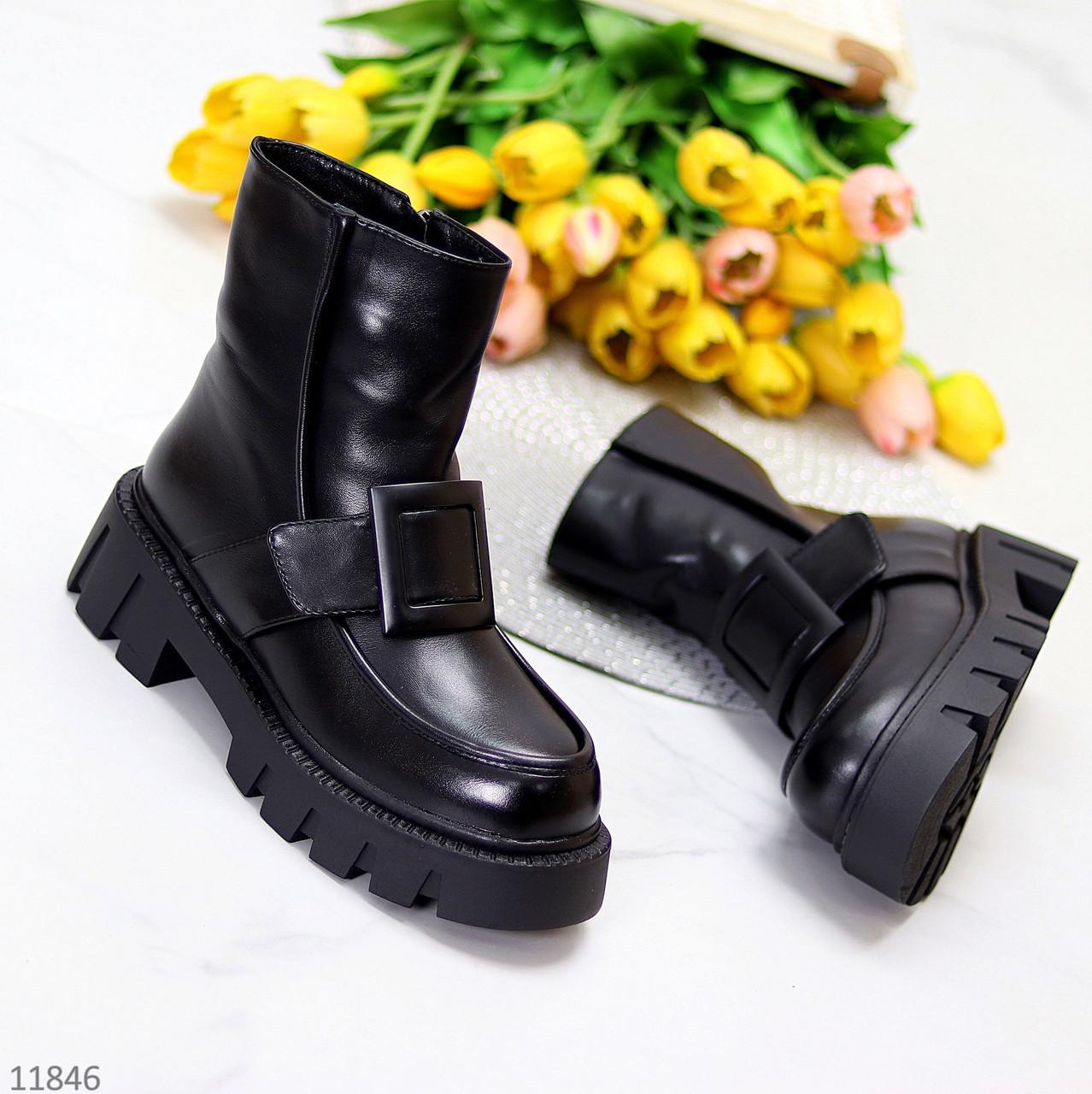 Зимові молодіжні чорні жіночі черевики на товстій тракторній підошві