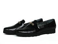 Туфли лоферы из черной фактурной кожи на рифленой подошве