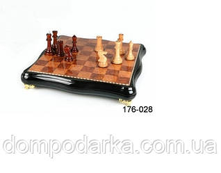 Увлекательная настольная игра шахматы в эксклюзивном кейсе