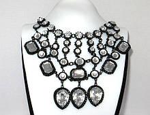 Кольє Fashion сріблясті кристали