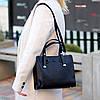 Невелика чорна зручна міська жіноча сумка, регульований ремінь на плече, фото 4