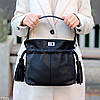 Елегантна чорна міська жіноча сумка кисет із зручною ручкою, ремінь через плече, фото 5