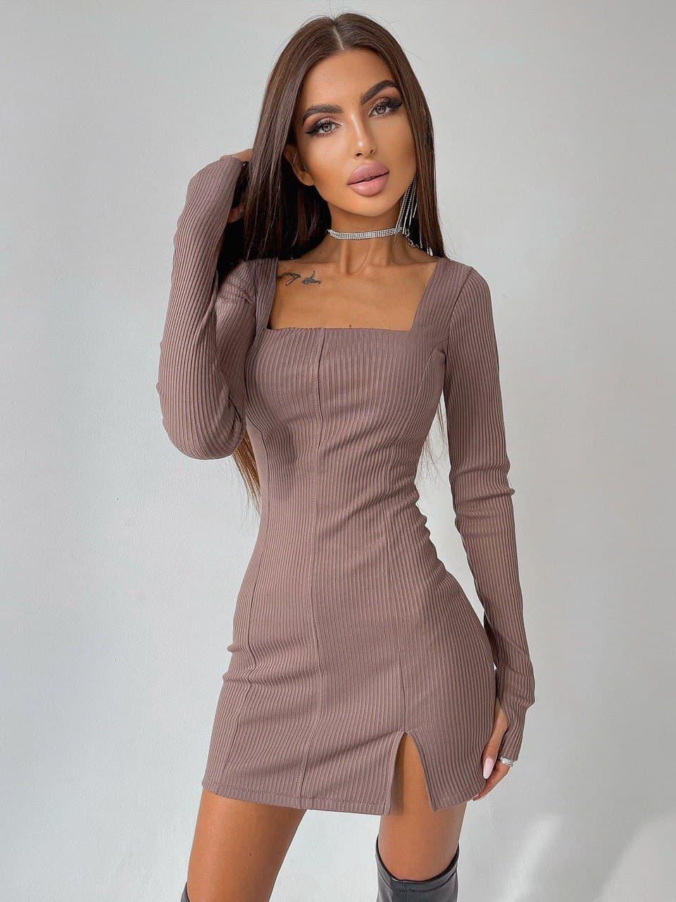 Мини платье с квадратным вырезом на груди приталенное с митенками на рукавах (р. S, M) 66py2953Е