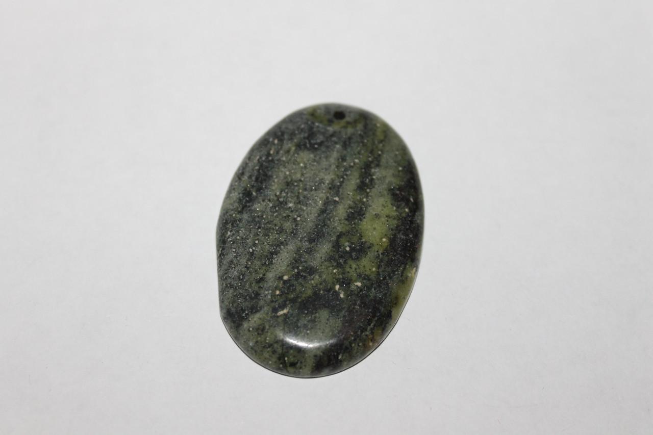 Змійовик камінь з натурального змійовика.