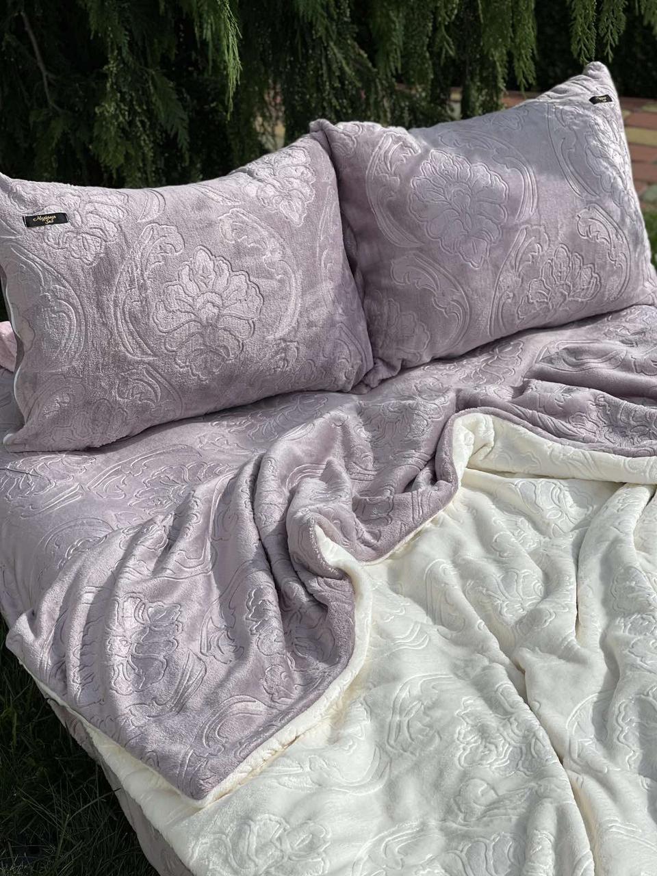 Велюровый Комплект постельного белья  Узор Барокко  двухсторонний Лиловый - молоко