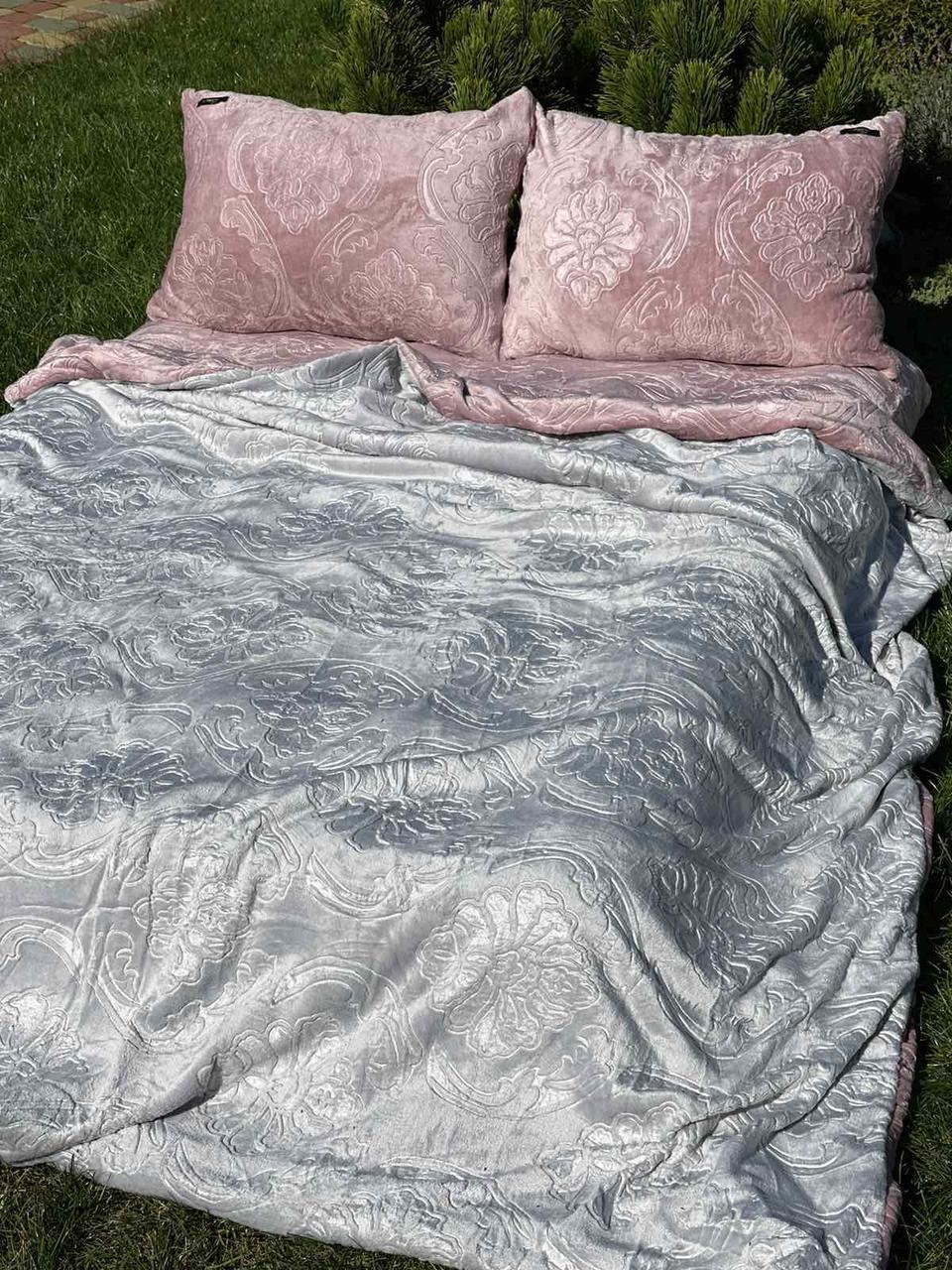 Велюровый Комплект постельного белья  Узор Барокко  двухсторонний Пион - Серый