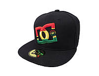 Кепка DC черная с цветным логотипом