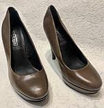 Кожаные женские туфли на высоком каблуке и танкетке, фото 2