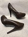 Кожаные женские туфли на высоком каблуке и танкетке, фото 5