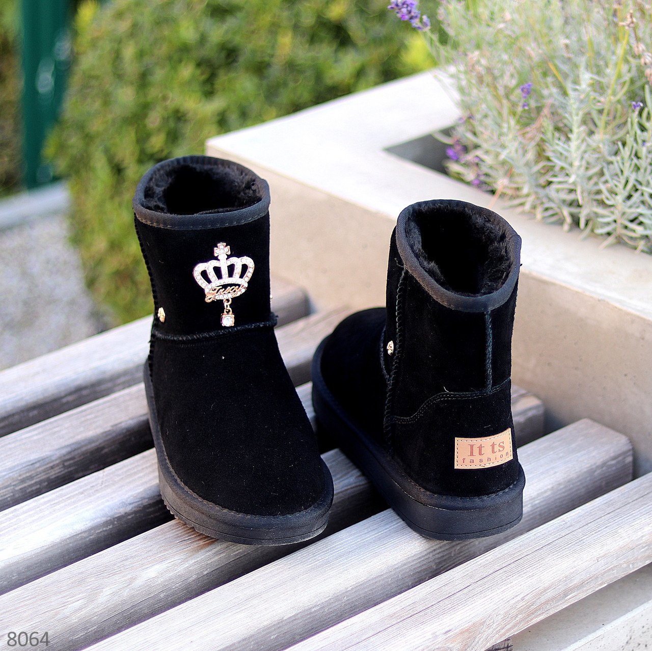 Модельні чорні жіночі замшеві уггі натуральна замша з декором корона
