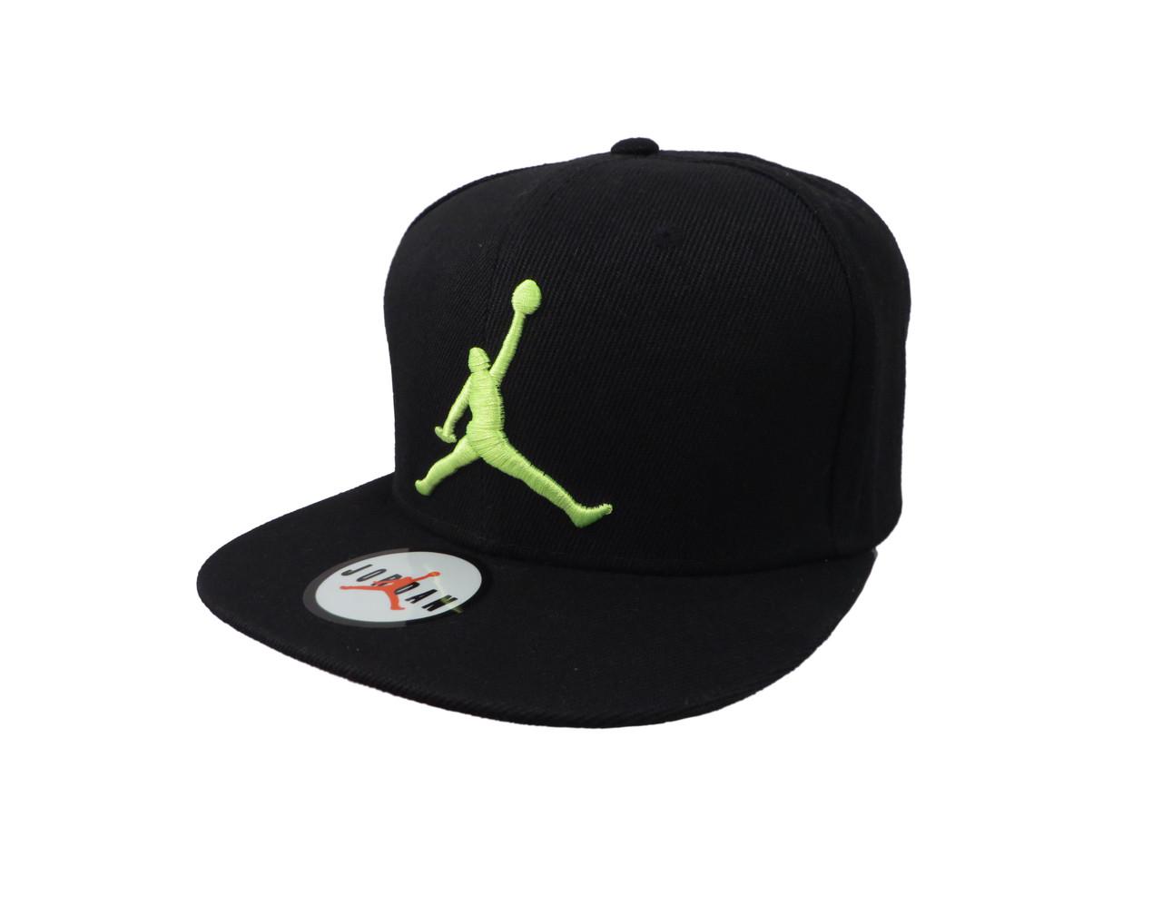 Черная кепка Jordan с салатовым логотипом (реплика)