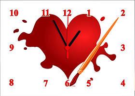 """Часы настенные стеклянные """"Сердце кистью"""""""
