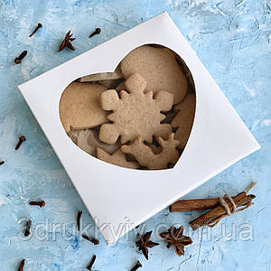 """Коробка для пряників з віконцем 150х150х35 """"Серце"""" / Коробка для пряников с оконцем """"Сердце"""""""