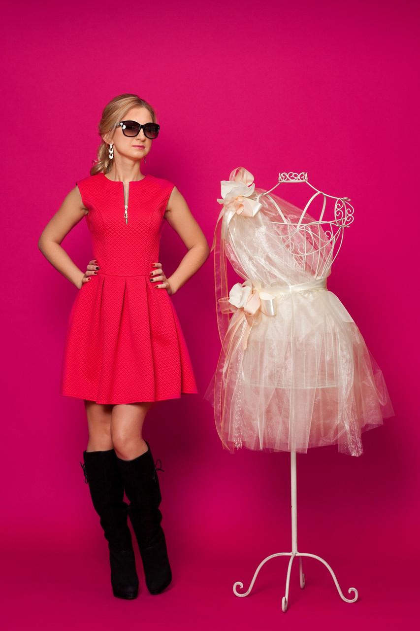 b2ed278494f Модные женские платья - большой выбор