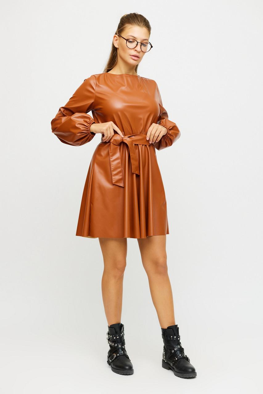 Короткий клубне сукню з еко шкіри