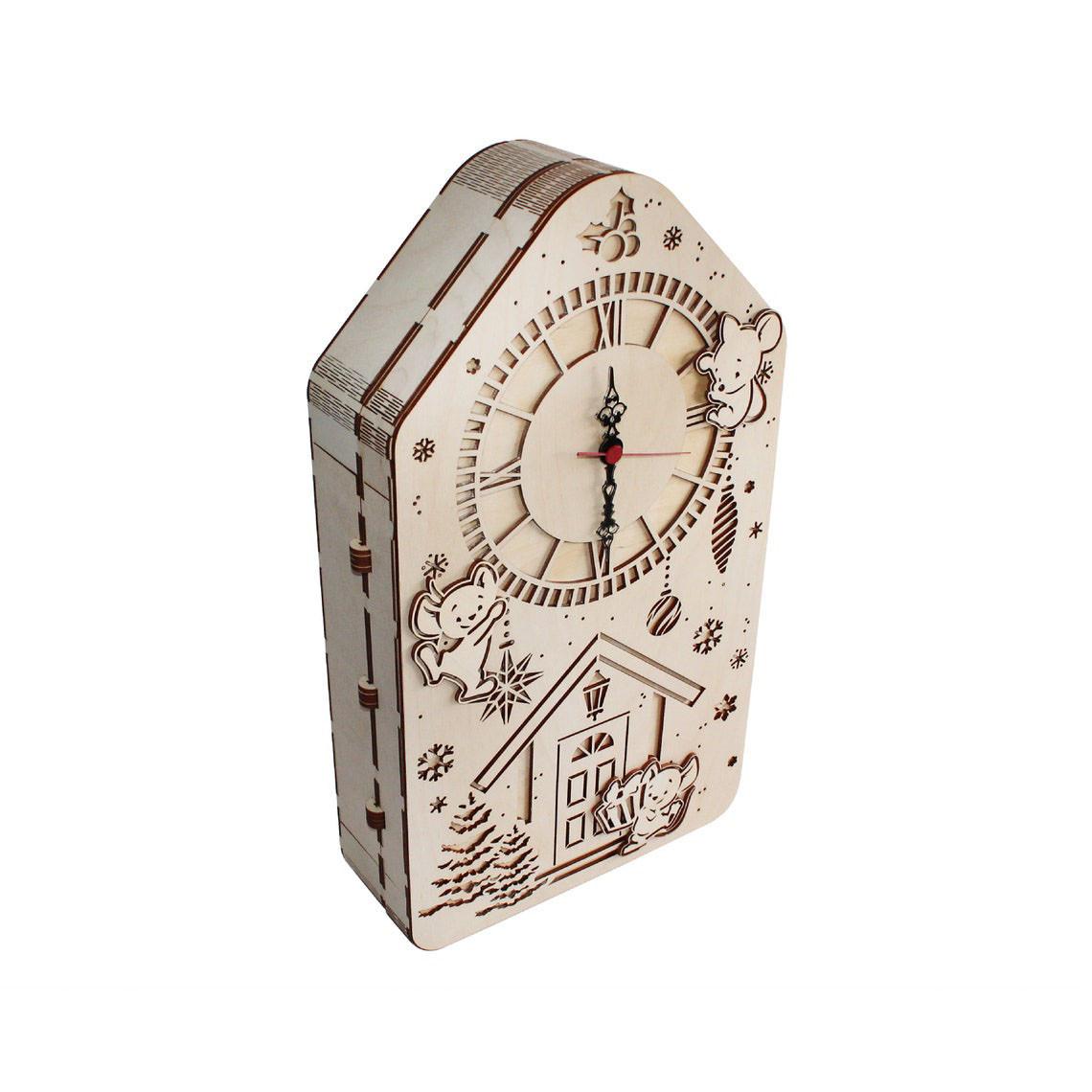 Адвент-календар будиночок з годинником