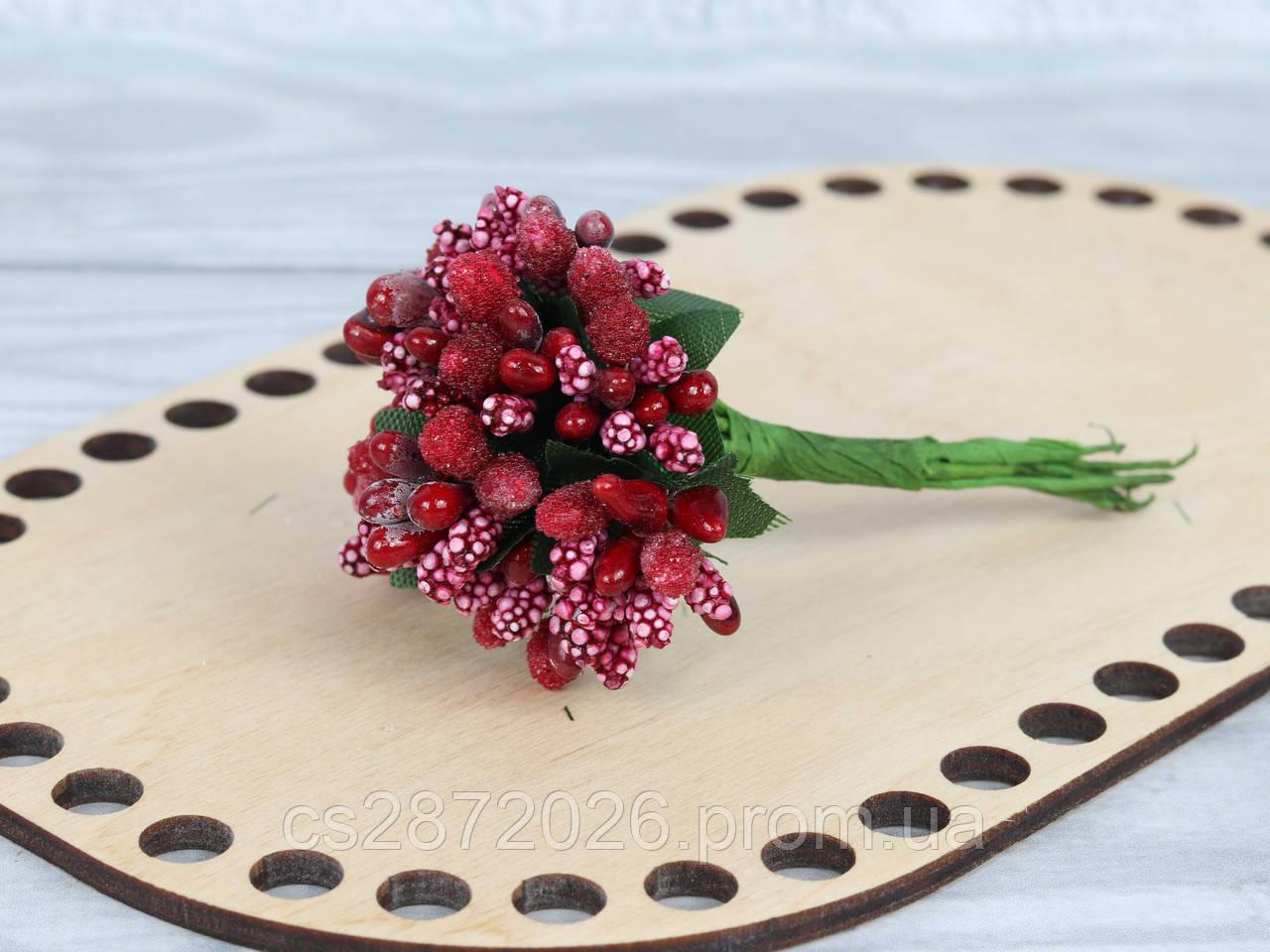 Тичинки цукрові з ягодами і листям на дроті