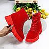 Яркие красные замшевые женские зимние ботинки молния+шнуровка низкий ход, фото 7