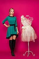 Красивое платье  с выбитым цветочным рисунком и пояском