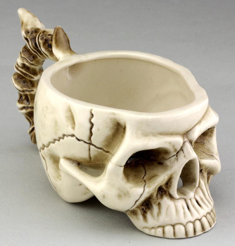 Кружка Череп з кістками бежева