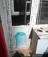 Выход на балкон Windom с установкой в Киеве - компания Окна Маркет (098) 777-31-49;