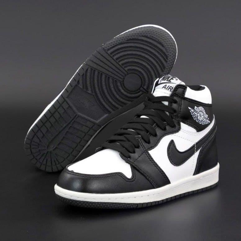 Мужские зимние кроссовки Nike Air Jordan 1 Retro High Black I Найк Аир Джордан 1 Ретро Хай Черно белые на меху