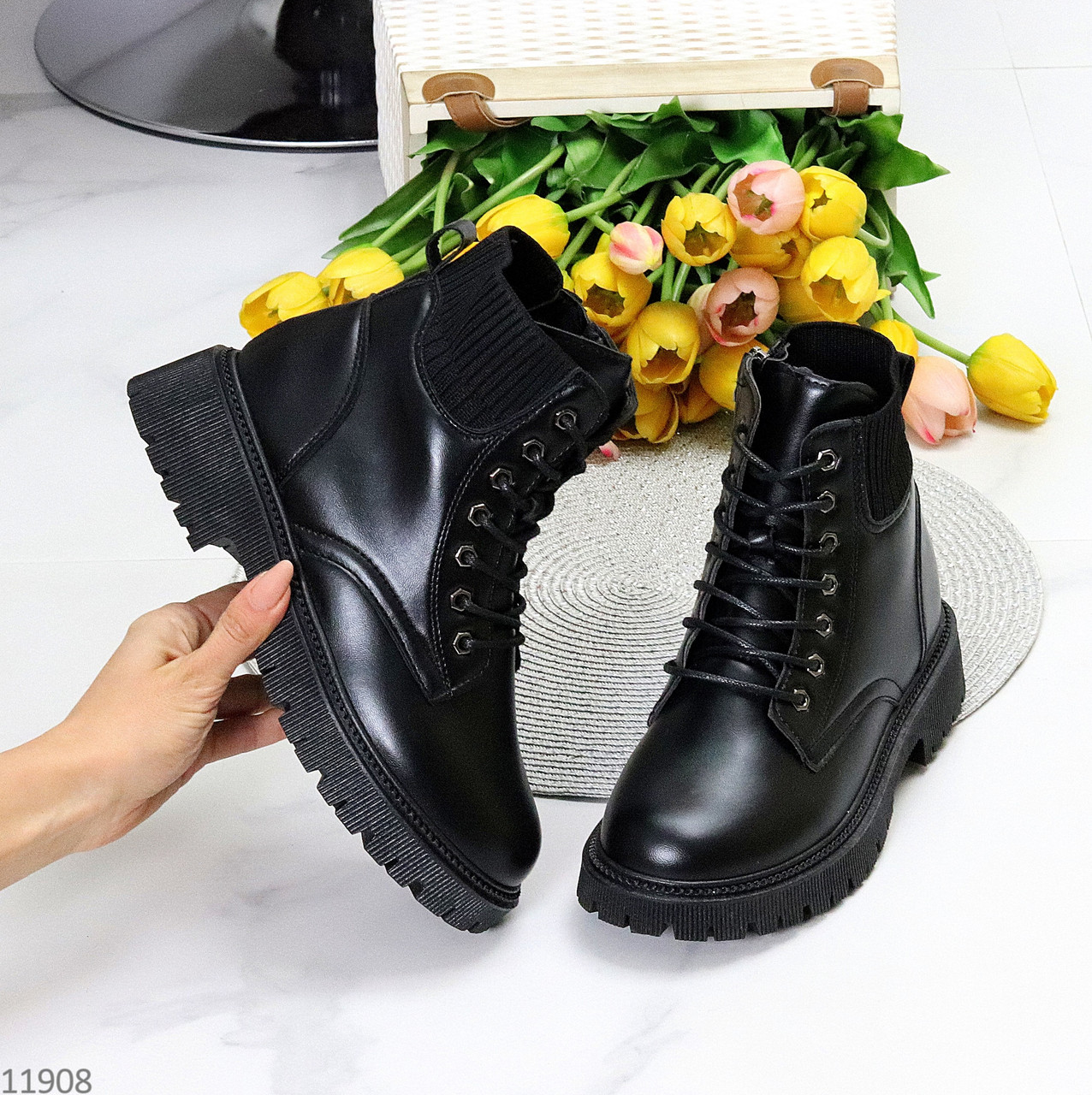 Стильні молодіжні теплі зимові чорні жіночі черевики блискавка+шнурівка