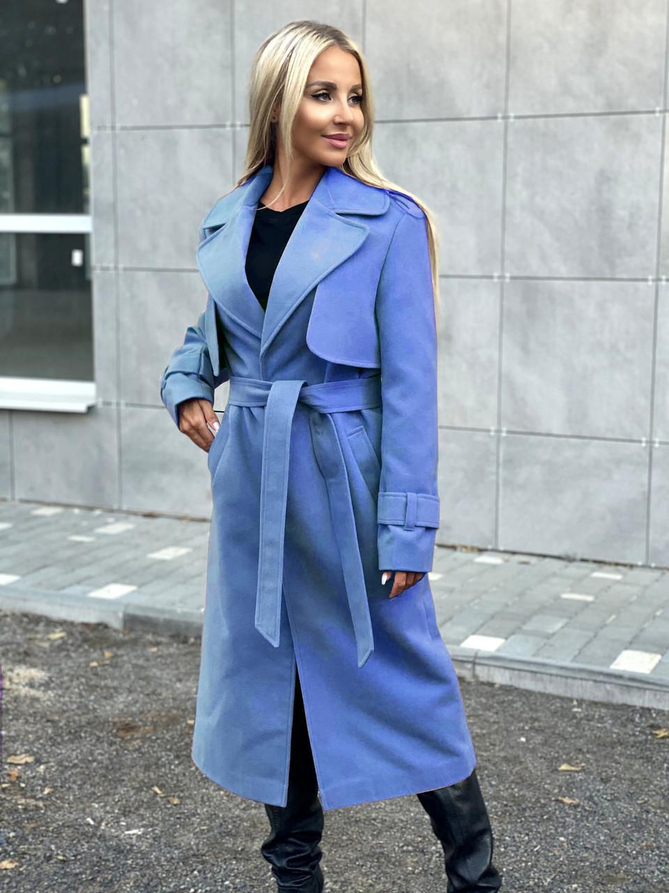 Стильное классическое кашемировое пальто-тренч на кнопках с поясом и с отложным воротом