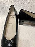 Шкіряні жіночі туфлі на маленькому підборах 40 р, фото 4