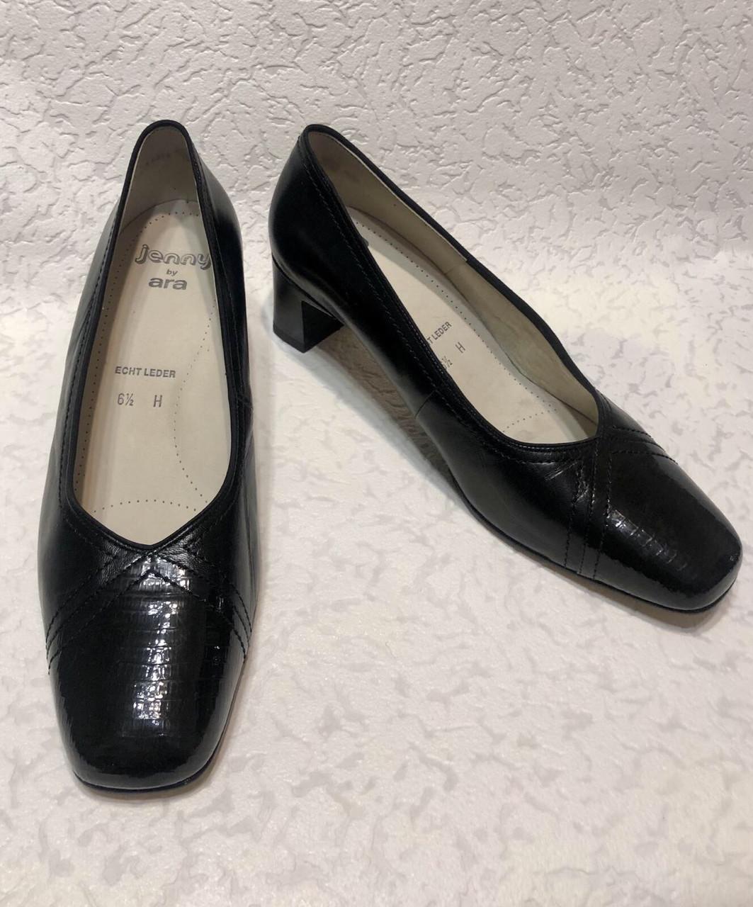 Шкіряні жіночі туфлі на маленькому підборах 40 р