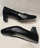 Шкіряні жіночі туфлі на маленькому підборах 40 р, фото 5