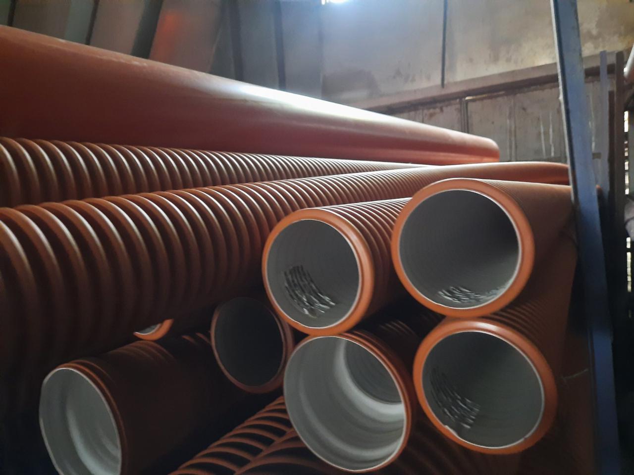 Труба 200 з розтрубом двошарова для зовнішньої каналізації