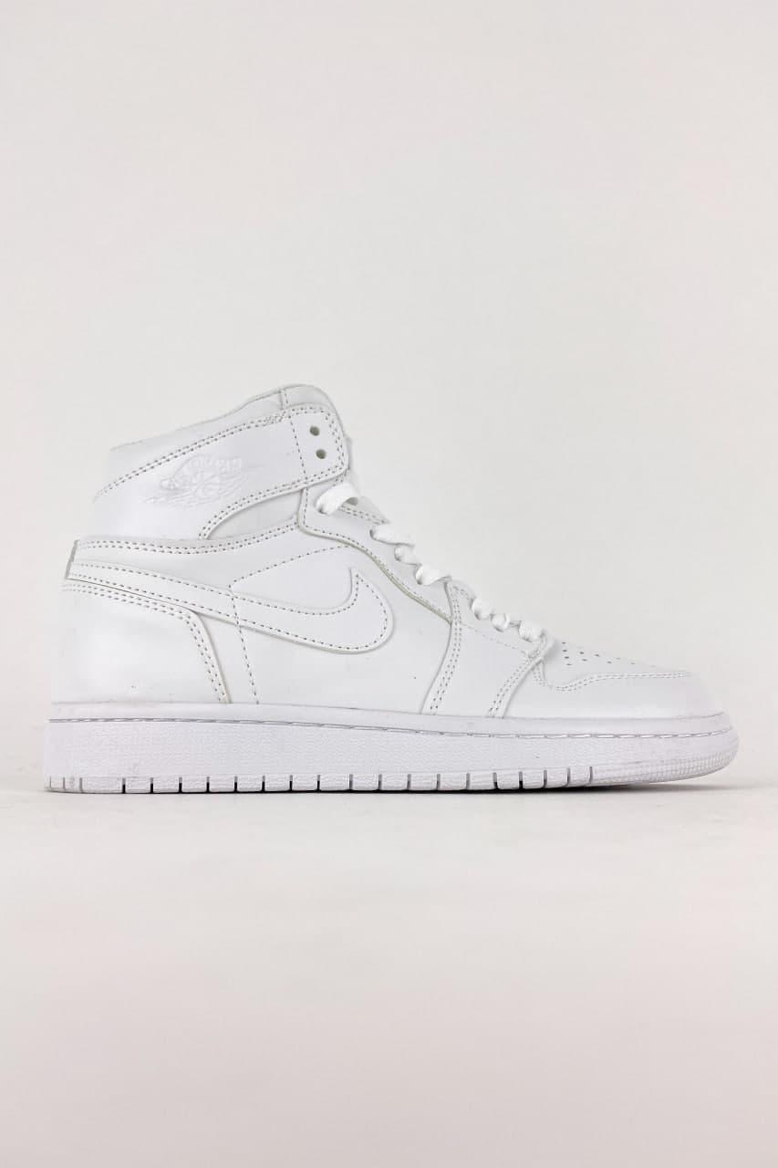 Женские кроссовки Nike Air Jordan 1 Retro High Total White (Белый) C-3554 качественные стильные кроссы