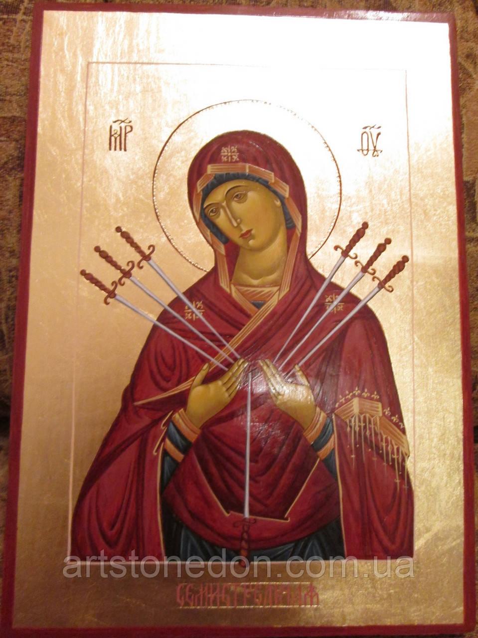 Иконы в деревянном киоте. Икона писаная Семистрельная Божья Матерь (Умягчение злых сердец) 33х23х3см
