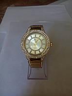 Часы женские кварцевые  китай копия