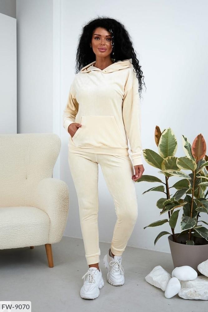 Однотонний зручний плюшевий прогулянковий костюм штани і кофта з капюшоном Розмір: S, M, L арт. 2128