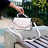 Брендовая городская женская белая мини сумка клатч с цепью кросс боди через плечо, фото 7