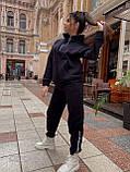 Жіночий спортивний костюм на флісі з бавовни під горло зимовий 42 44 46 чорний молочний мокко принт, фото 2