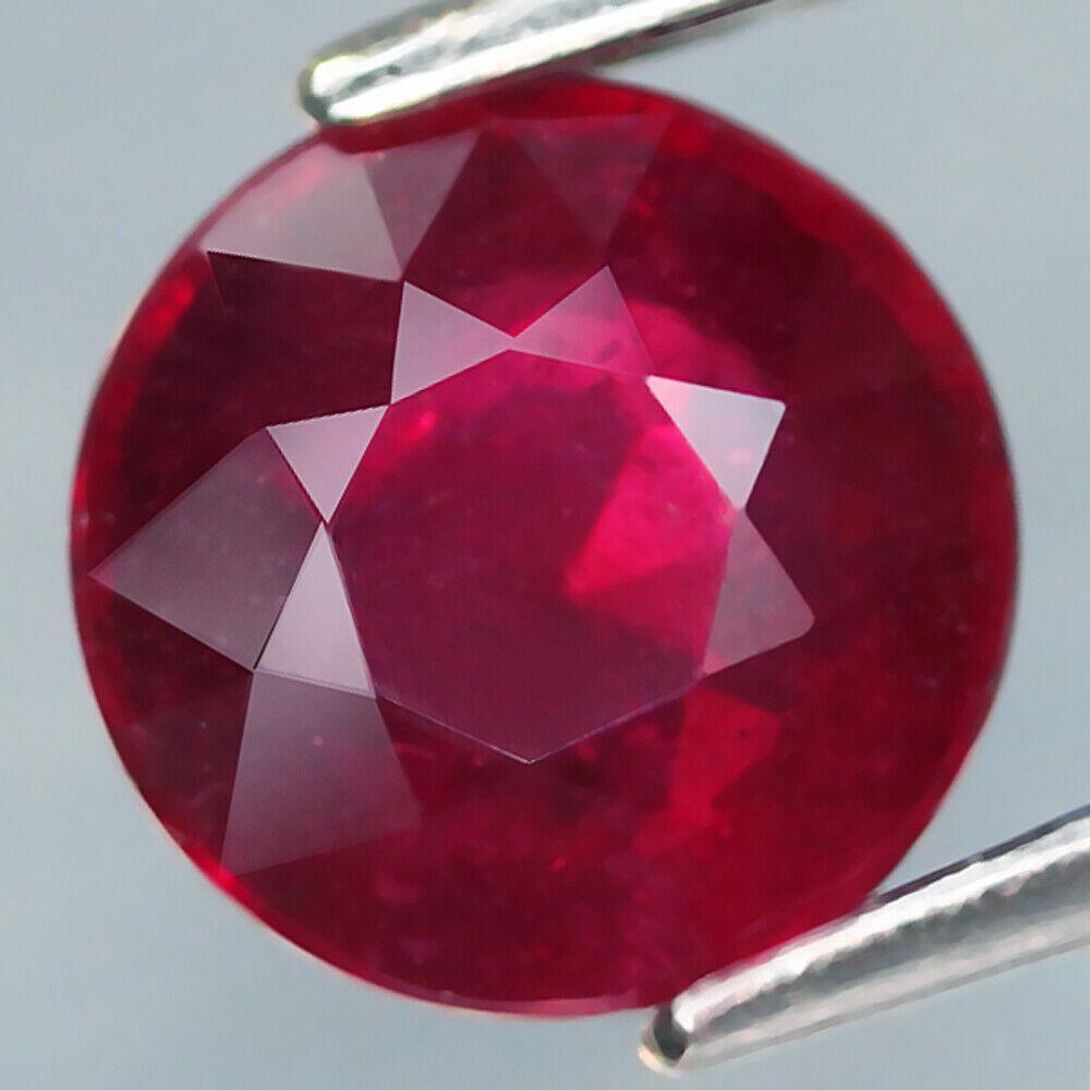 Рубин натуральный  1.64 карат   6.5 x 6.5 x 3.7 mm
