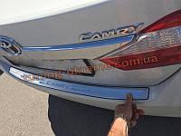Накладка на задний бампер Toyota Camry 2011+