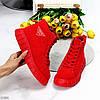 Модні червоні жіночі зимові спортивні черевики блискавка + шнурівка, фото 2