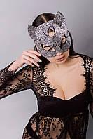 Маска женщины кошки
