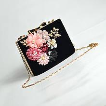 Вечірня велюрова чорна маленька сумочка Rose Heart клатч бокс чорного кольору випускний з ланцюжком